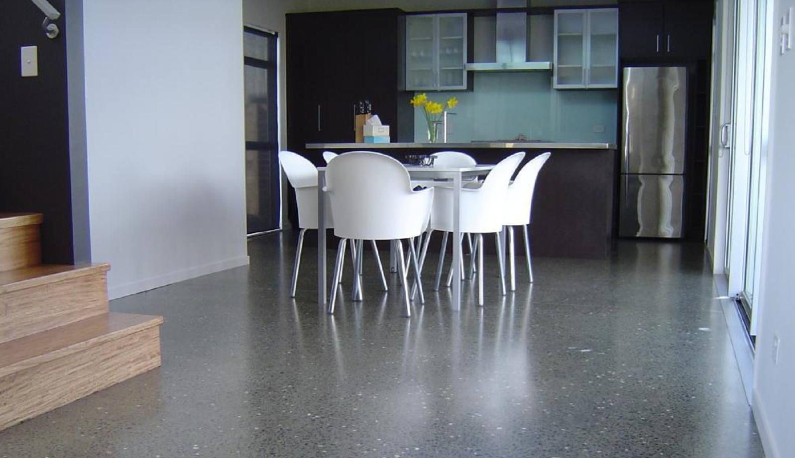 Zwart Betonvloer Keuken : Zwarte beton polijsten moru