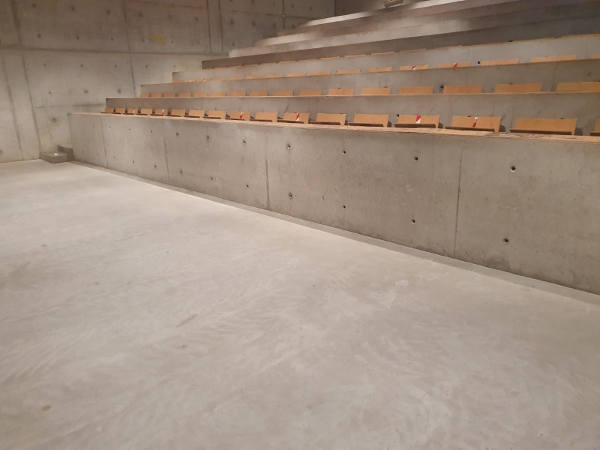 betonvloer impregneren #coatingverwijderen #betonvloerweeralsnieuw #betonpolijsten #grafitiverwijderen